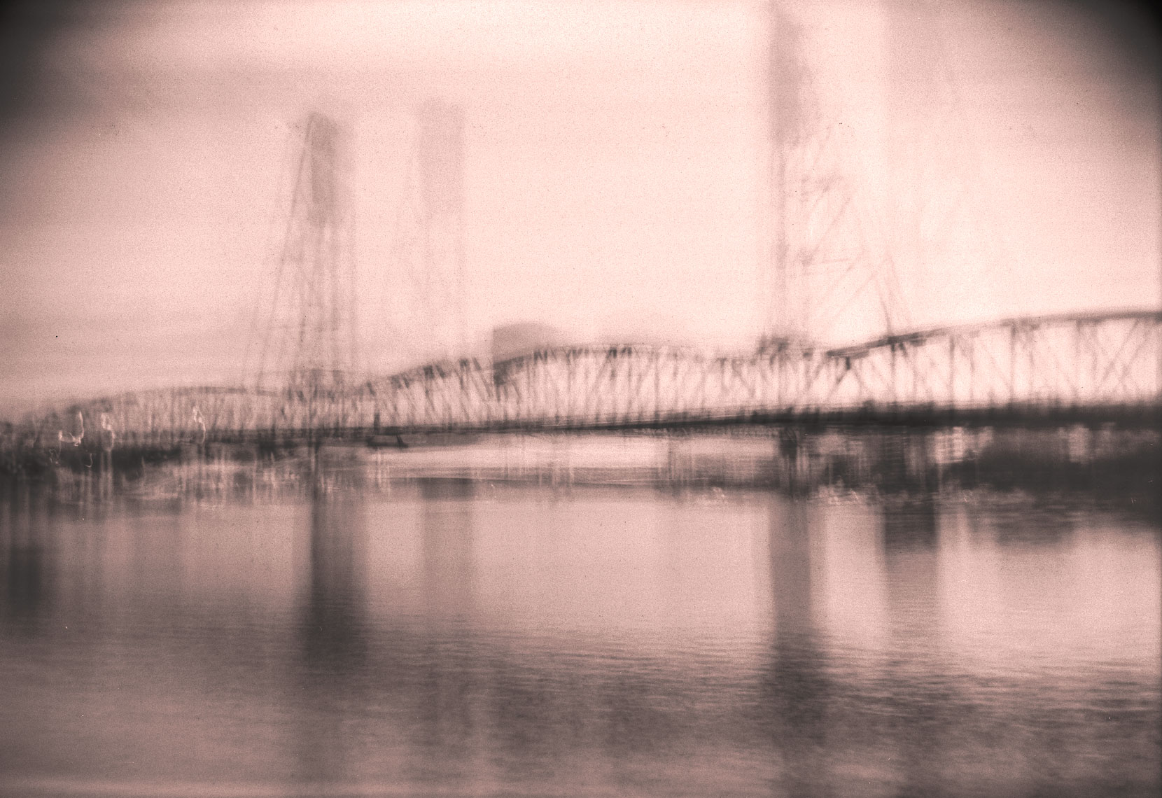 abstract-of-portland-bridge-blurred
