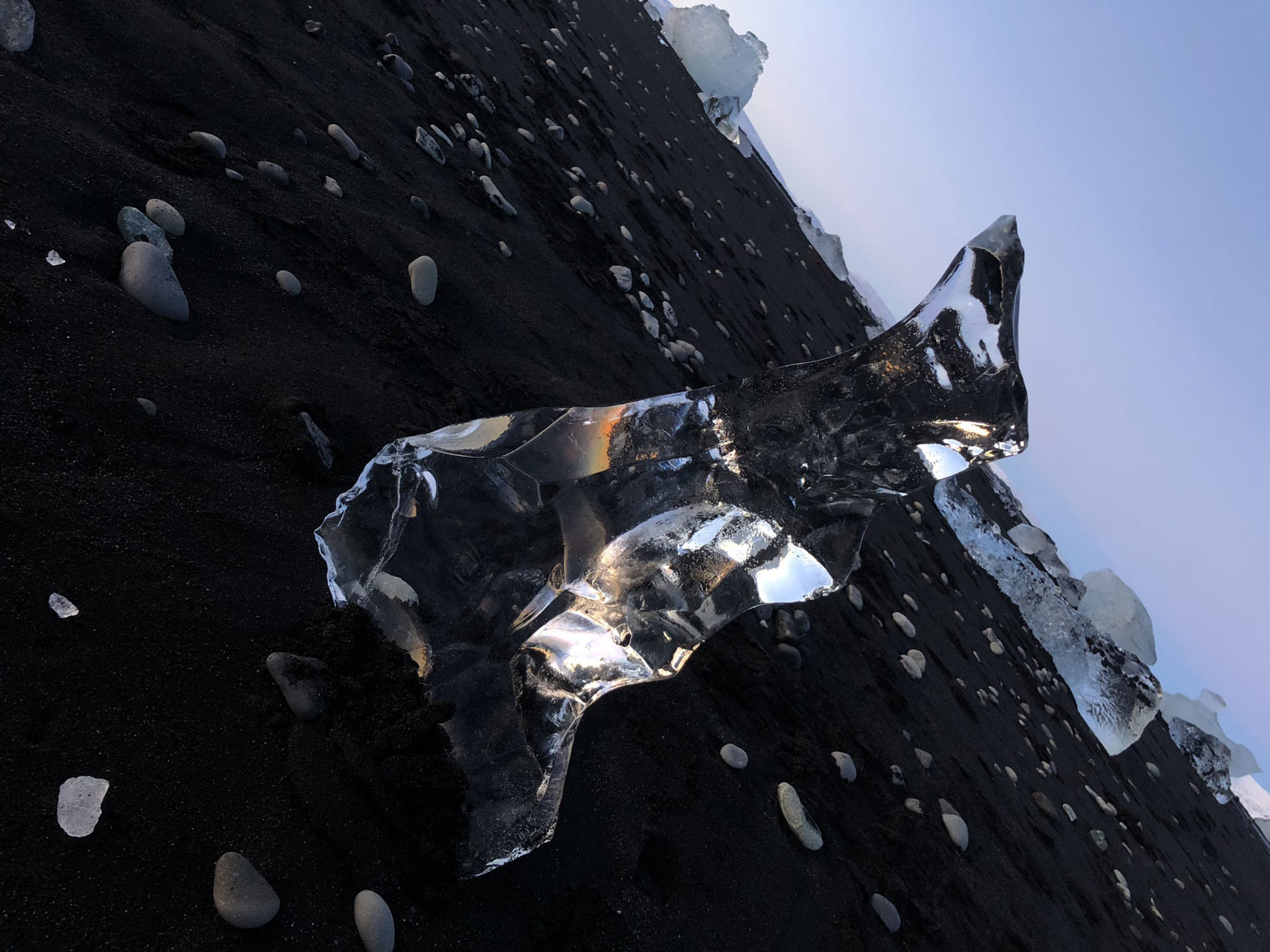 diamond-ice-sculptures-of-iceland