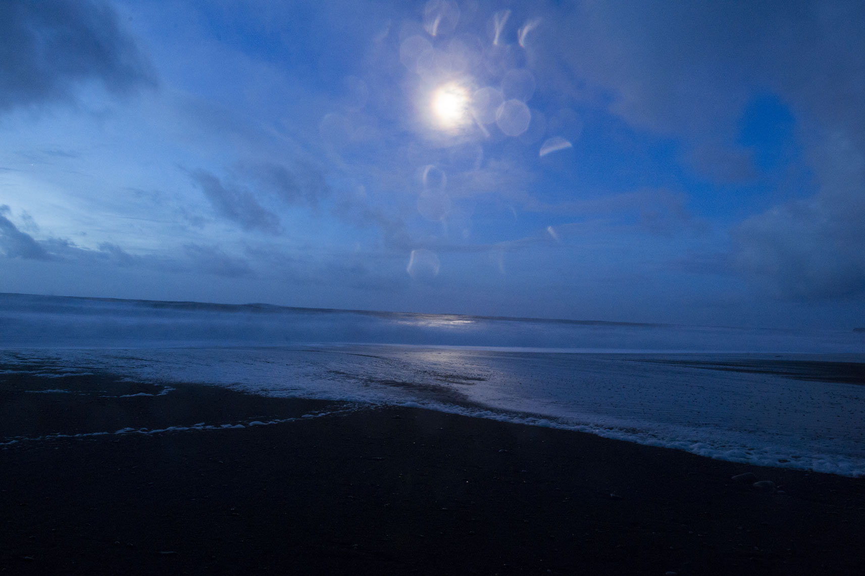 moonlight-over-Reynisfjara